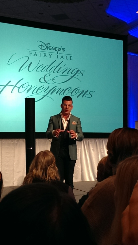 David Tutera answering MY question!
